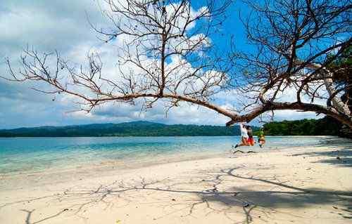 keindahan pulau peucang Banten