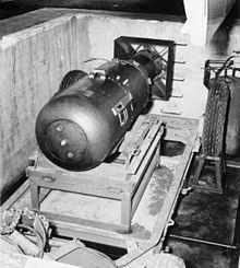 little boy bom atom yang telah menghancurkan hiroshima