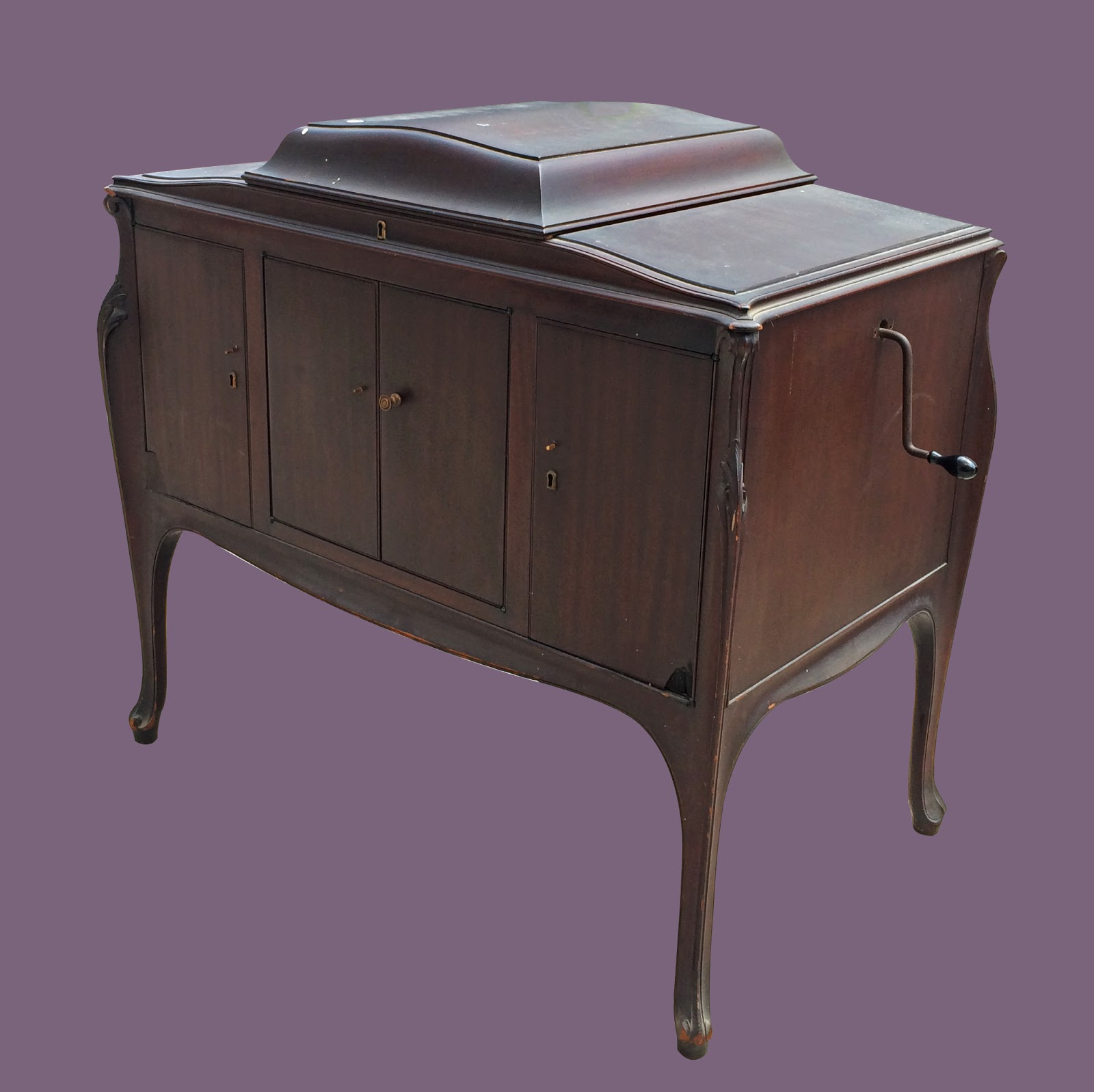 Uhuru Furniture Collectibles Victrola 95 Sold