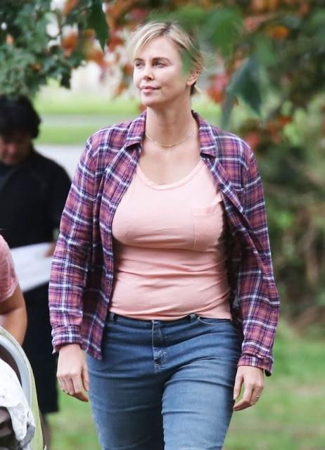الممثلة تشارليز ثيرون حصلت علي 50 باوند زيادة في جسمها (بقيت شبه البطيخة)