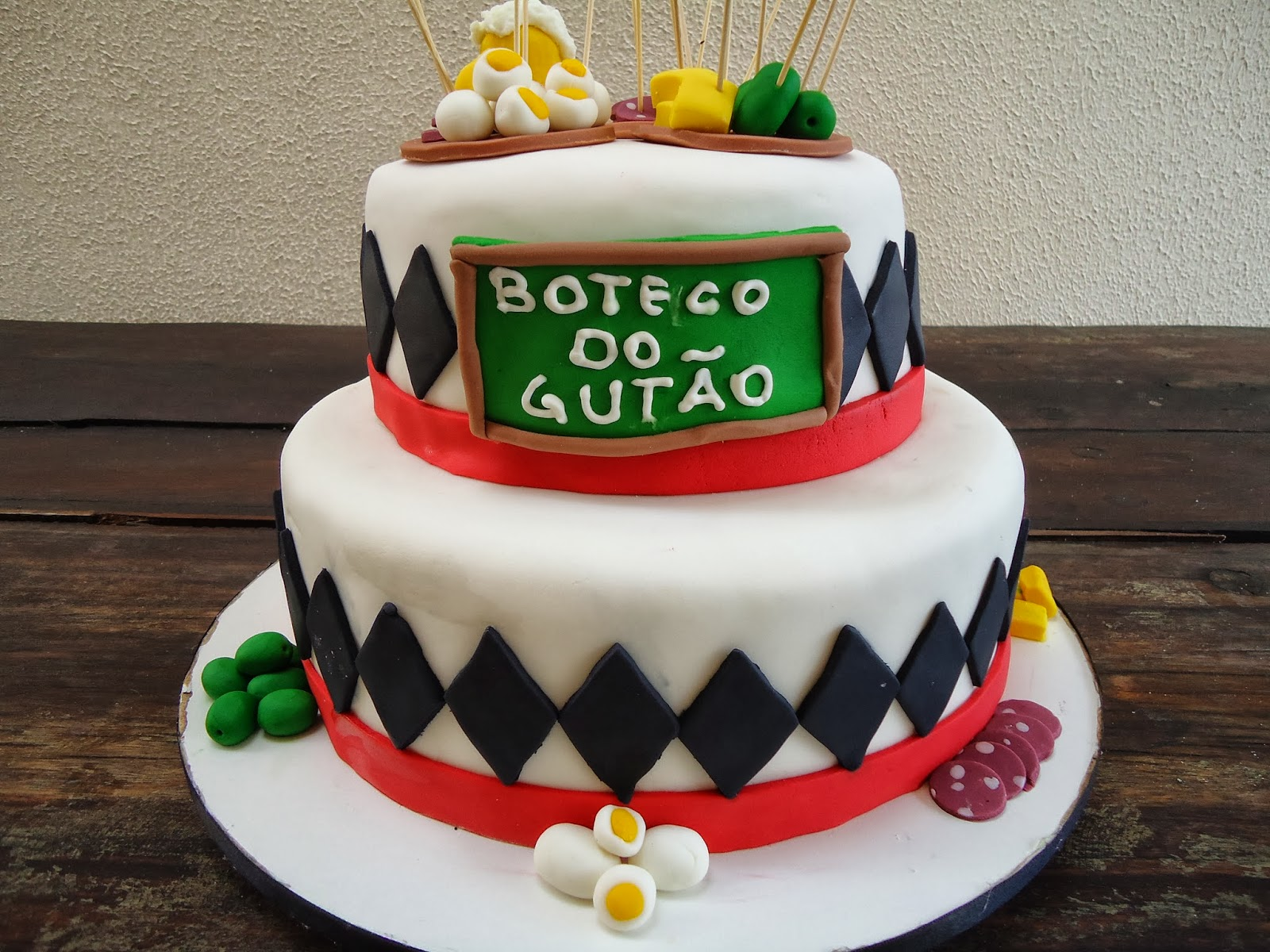 "Patricia Malcher Bolos Decorados: Bolo e cupcakes ""Boteco"""
