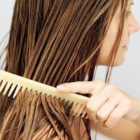 maschera fai da te con prodotti naturali per capelli stressati