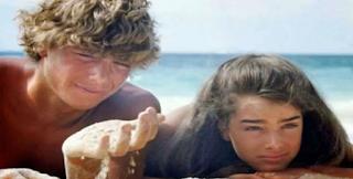 Θυμάστε την πρωταγωνίστρια της Γαλάζιας λίμνης; Δείτε την μετά από 34 χρόνια και θα πάθετε πλάκα!