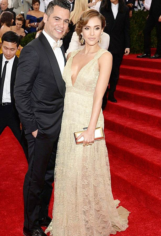 Fashionable Couples at the 2014 Met Gala Jessica Alba in Diane Von Fursternberg and Cash Warren
