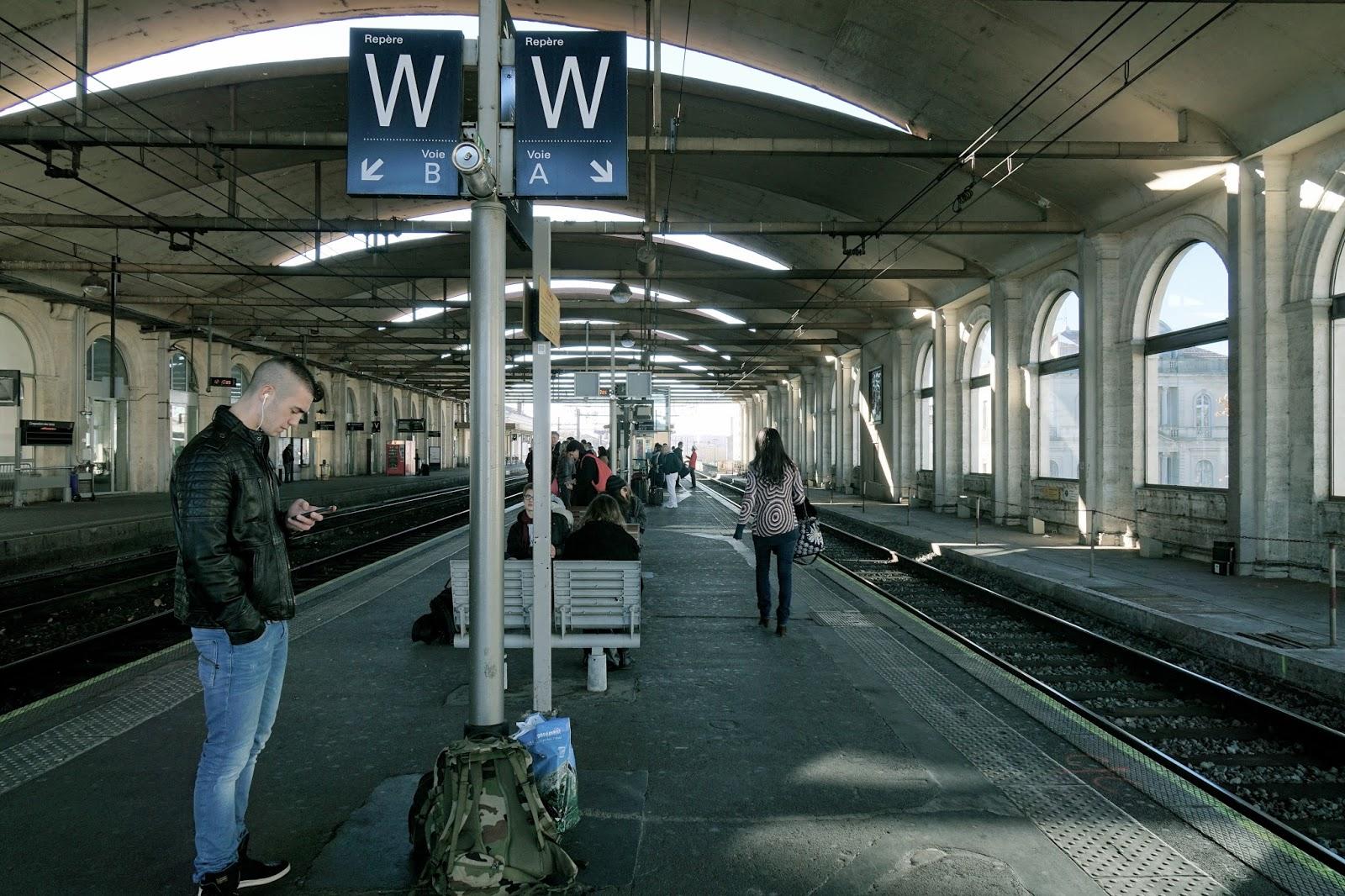 ニーム(フランス)駅