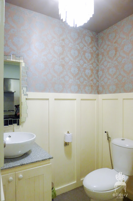 wallpaper small powder room