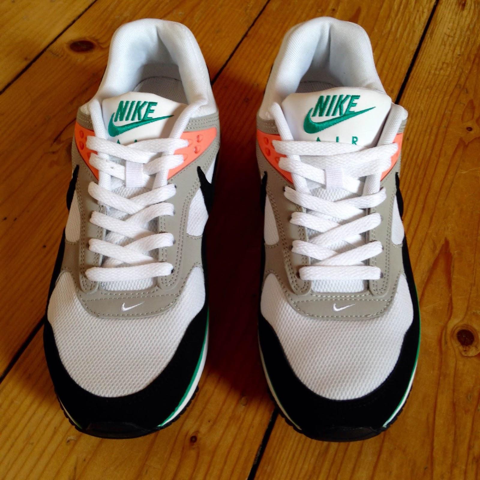 online store 5c12d b2713 Nike Womens Air Max Correlate; Nike Air Max Correlate Black White Green  Mango 511417-136 new US10 90.00 ...