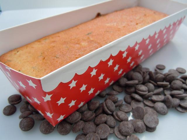 Cake à la tanaisie et aux pépites de chocolat noir