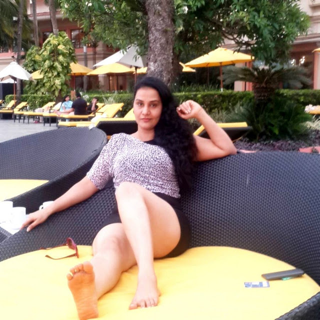 HOTBLike Telugu Actress Apoorva