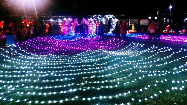 Taman Pelangi Lampion di Alun Alun Batang