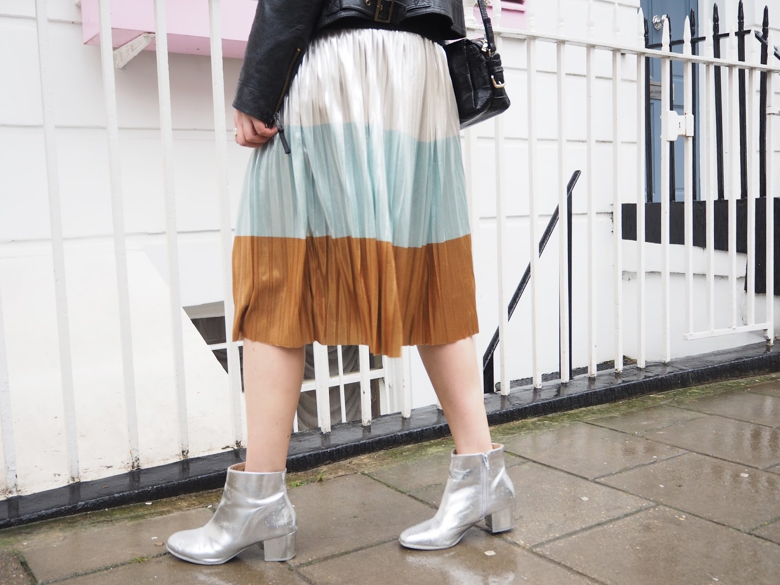How To Style The Sassy Metallic Skirt Zara Fashion Outfit Lauren Rose Style Blogger London
