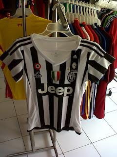 Jual Jersey Ladies Juventus Home 2015/2016 di toko jersey jogja sumacomp, murah berkualitas