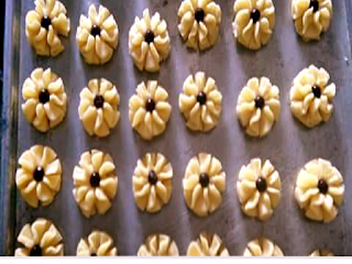Gambar Resep Kue Kering Bunga Choco Chips