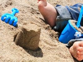 Le scandale des crèmes solaires pour bébés