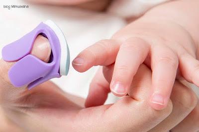 cortar uñas a recien nacido como y cuando limar uñas bebé blog mimuselina
