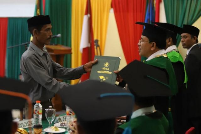 Sosok Mahasiswi Aceh yang Meninggal dan Wisudanya Digantikan Ayahnya