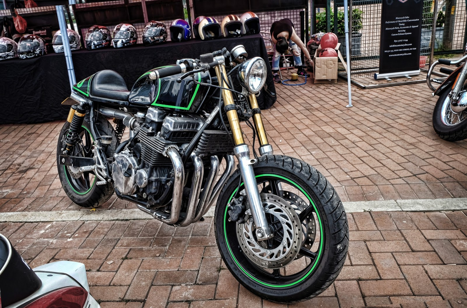 Custom cafe racer Bike