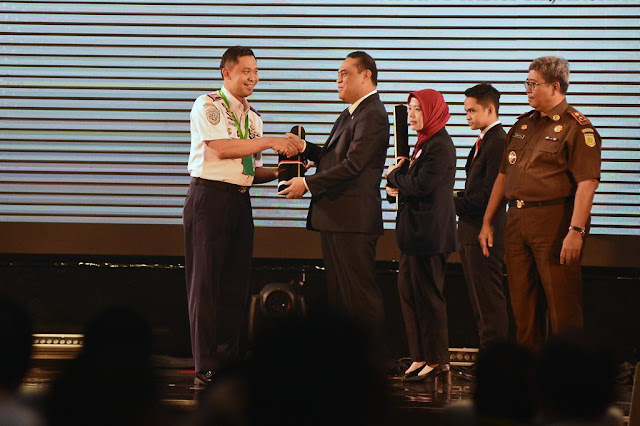 Kantor Otoritas Pelabuhan Tanjung Priok Dapat Penghargaan Wilayah Bebas Korupsi