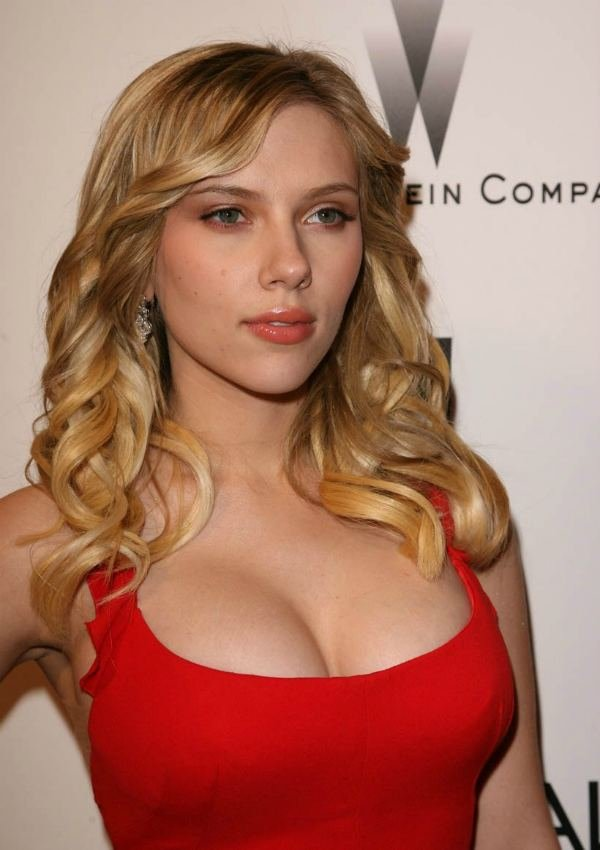 Of Course Scarlett Is Pretty And Sexy And I Think Her Breasts Are The Best Boobs In Hollywood