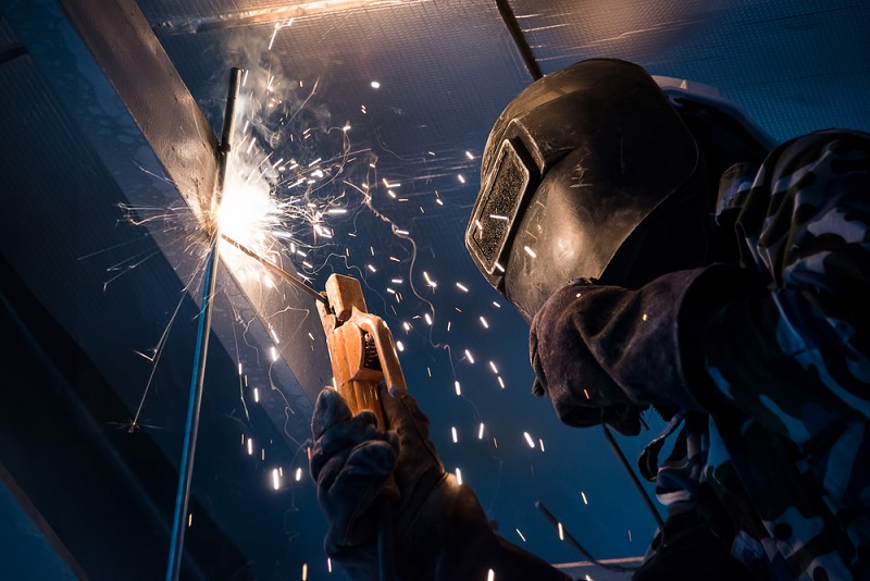 How to Go About Searching for The Top-Notch Welding Services?