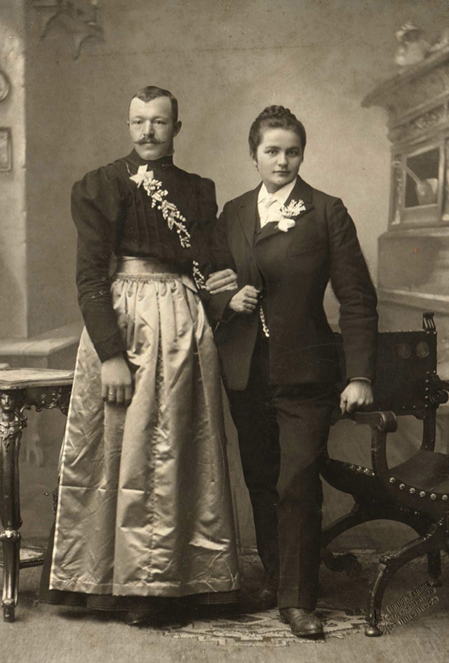 Men Dressed in Drag in the Victorian Era: 25 Historical Photos of ...