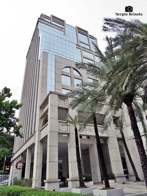 Vista ampla do Edifício Plaza São Lourenço - Jardim Paulistano - São Paulo