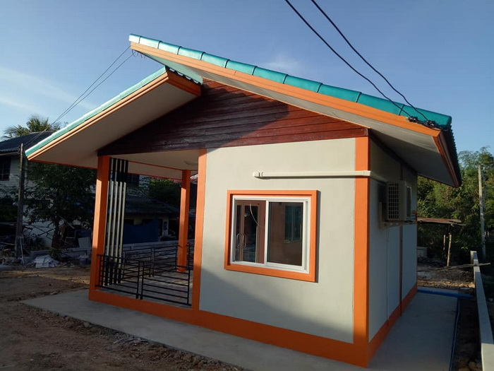 We have selected 5 extremely well-done small-sized houses, each of them boasts bedrooms, kitchens, and bathrooms. These small houses are in the area of only 28 sq.m. to 55 sq.m. and has a budget starting 100,000 Baht or  170,000 in Philippine peso.
