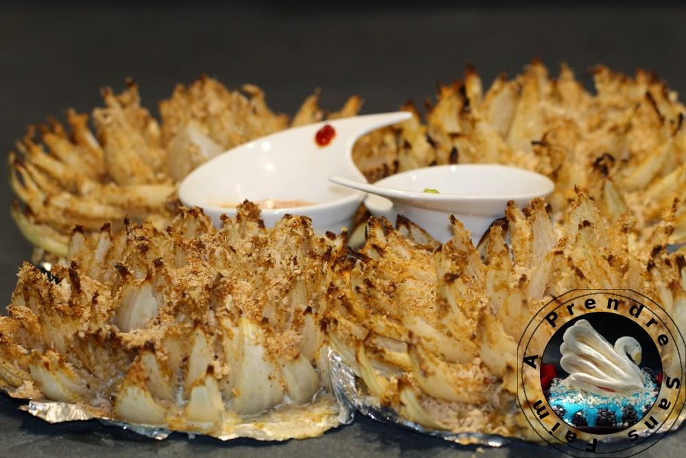 Fleurs d'oignons fondants à la sauce douce ou forte (pas à pas en photos)