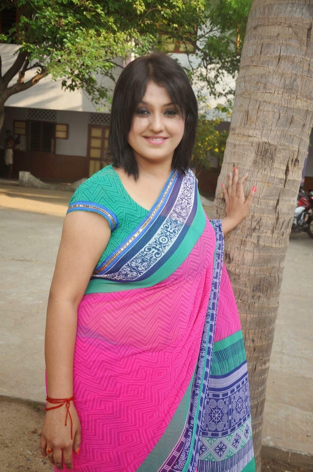 Sona Aunty Romantic Photos - Hd Latest Tamil Actress -9918