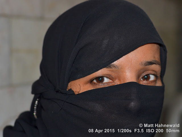 people, street portrait, headshot, face, eyes, eye contact, niqab, Muslim lady, sexy eyes, India, Old Delhi