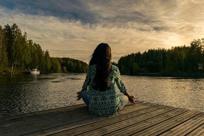 Méditation - respiration - esprit - lucide - spacieux -sentiment -conscients