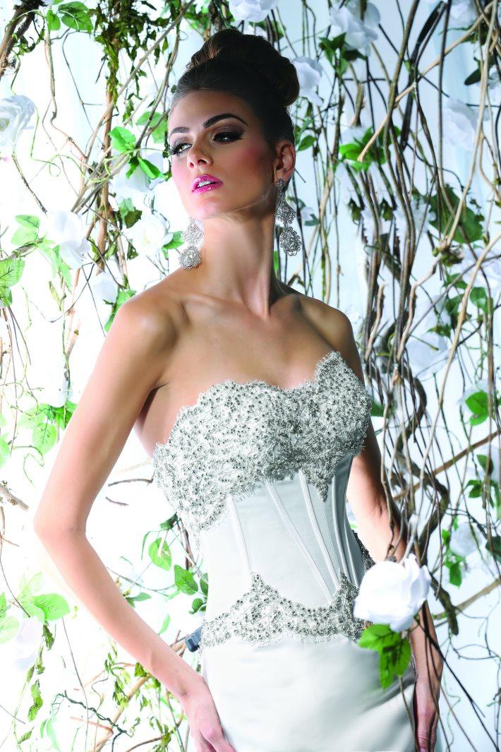 Image 4: Wedding Dress