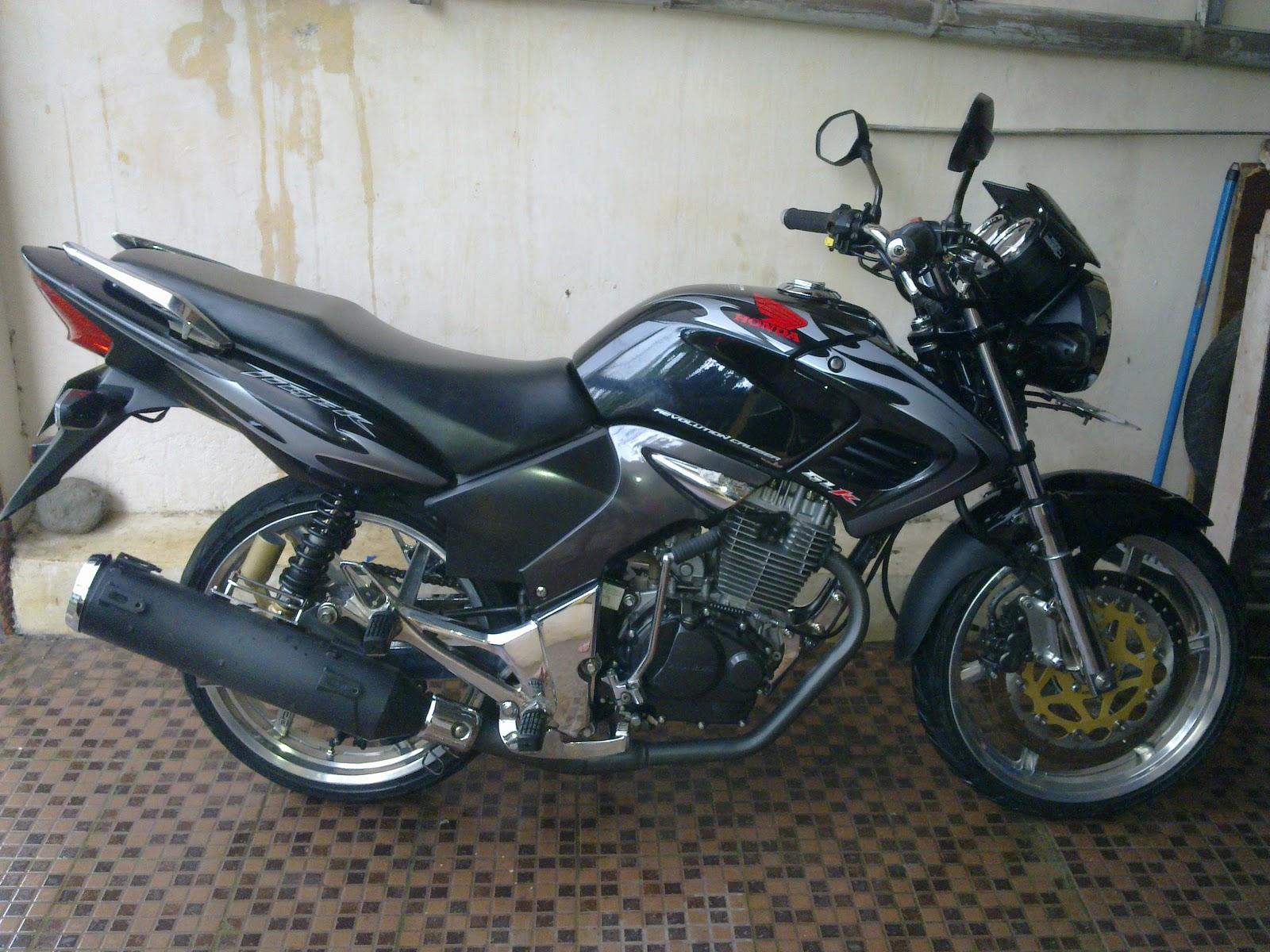 Kumpulan Foto Dan Gambar Modifikasi Motor Honda Tiger Revo Terbaru
