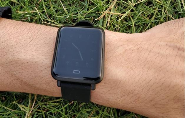 Q9 Smartwatch: reloj inteligente con certificación IP67, monitor de sueño, podómetro y sensor de ritmo cardíaco