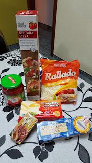 Ingredientes Pizza pimientos rojos, anchoas, atún y queso