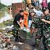 Gerakan Satgas Citarum Harum Karawang, Bersihkan Sampah di Jalan Veteran
