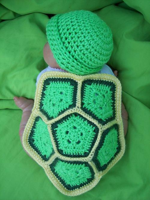 Crochet baby turtle photo prop free pattern