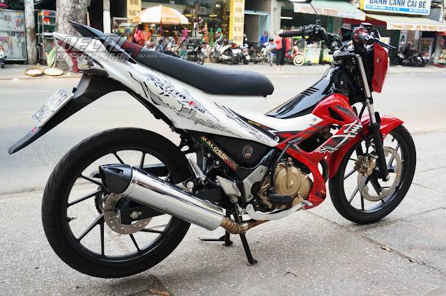 Sơn xe Suzuki satria màu trắng đỏ phối màu cực đẹp