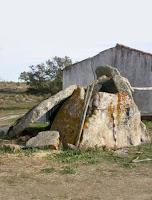 https://castelodevideportugal.blogspot.com/2018/03/photos-menhir-anta-do-pero-de-alva.html