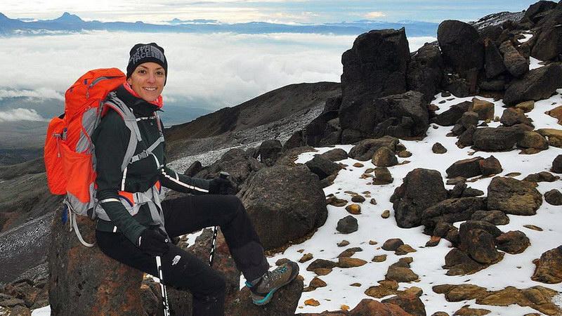 Αναχωρεί για το Νεπάλ η Κική Τσακαλδήμη, η πρώτη Ελληνίδα που θα ανέβει στην κορυφή του Έβερεστ