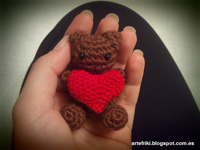 mini oso amigurumi crochet ganchillo bear mini heart