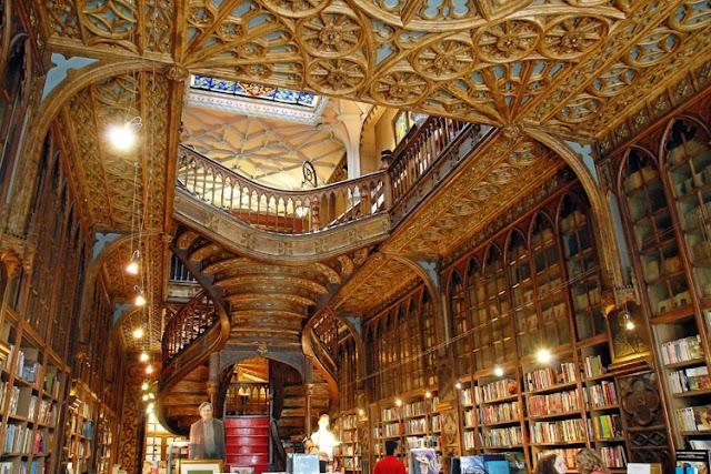 Livraria Lello e Irmão no Porto