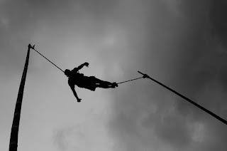 Mengenal Lais, Seni Akrobatik dari Garut
