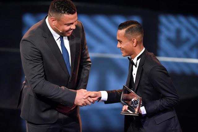 VIDEO: Gol Spektakuler Pemain Malaysia Ini Raih FIFA Puskas Award 2016