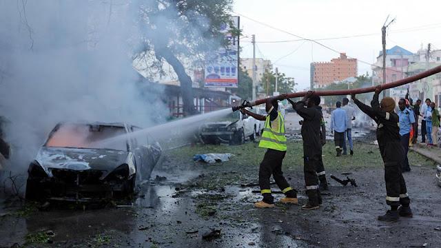 Ao menos seis pessoas morreram e 10 ficaram feridas em um atentado com carro-bomba em Mogadíscio, diz uma fonte policial à France Presse.