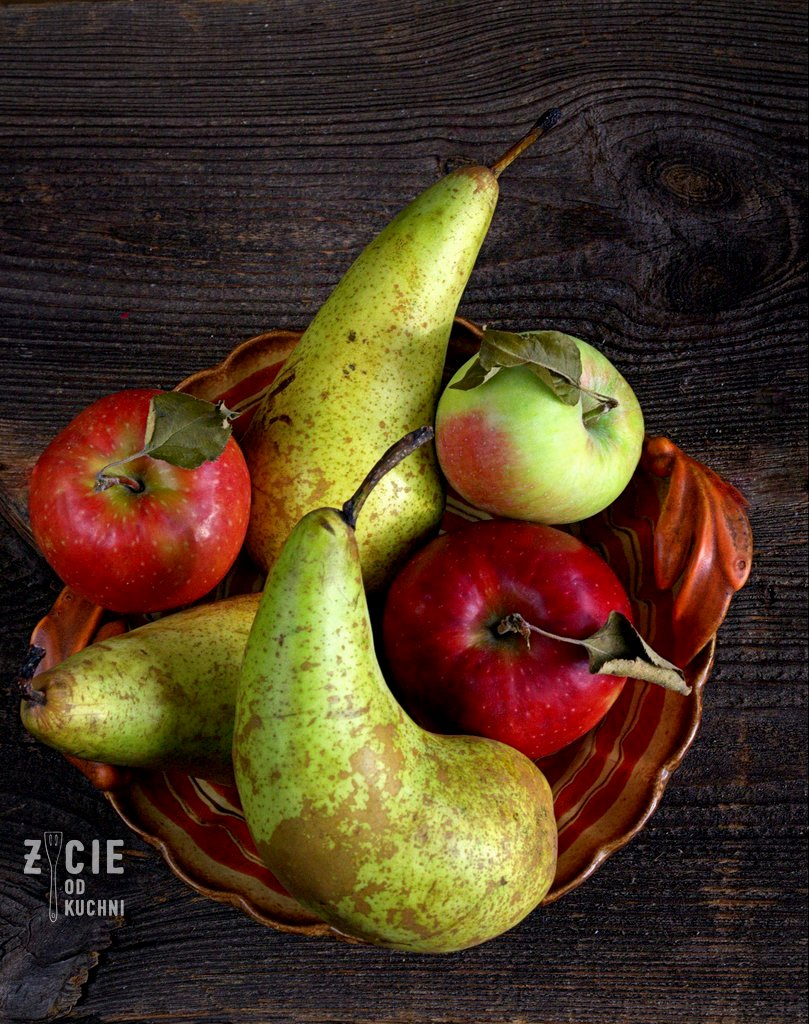 szarlotka, patera z owocami, owoce na talerzu, jablka, gruszki, jak zrobic kruche ciasto, tarta z owocami, tarta z jablkami, zycie od kuchni, najlepza szarlotka