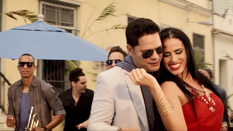 Rey Ruiz - ¨Amor bonito¨ - Videoclip - Dirección: Yeandro Tamayo. Portal Del Vídeo Clip Cubano - 08