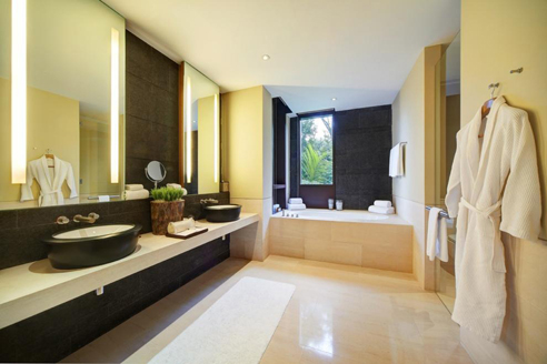 The Club Residences 3 Bedroom Suites - Bathroom 1