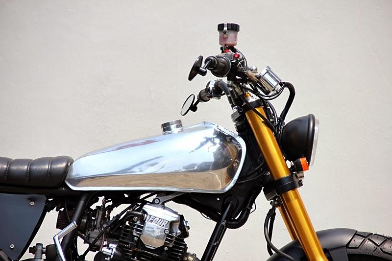 Yamaha Scorpio 225 Street Tracker