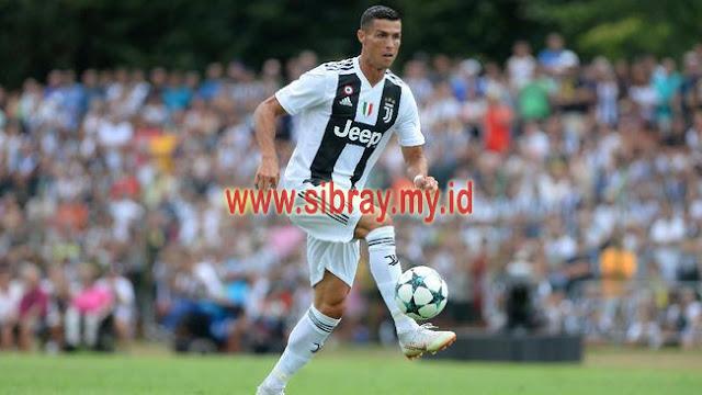 Cristiano Ronaldo  Minta Izin Cuadrado Pakai Nomor 7 di Juventus